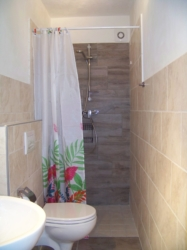Badkamer appartement Mare Casa Cologna Vakantie Abruzzo