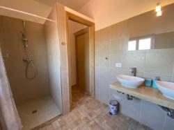 badkamer in appartement L'Aquila
